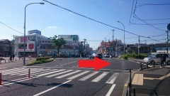 1.北側からお越しの方は、「尼崎総合医療センター前南」交差点を右折